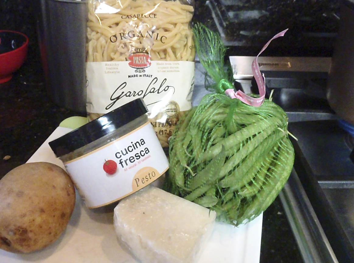 Pasta al Pesto con Patate e Fagiolini (Pasta with Pesto, Potatoes and ...
